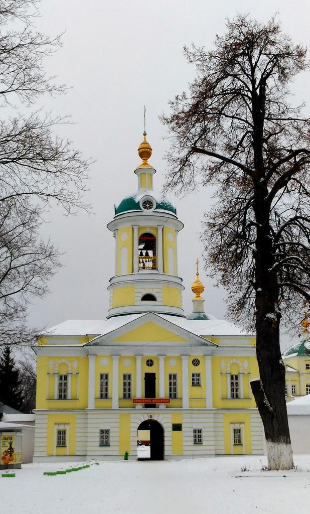 Первым объектом был Свято-Екатерининский мужской монастырь.