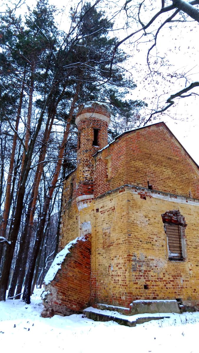 Изюминка Дома Управляющего это декоративная башенка.