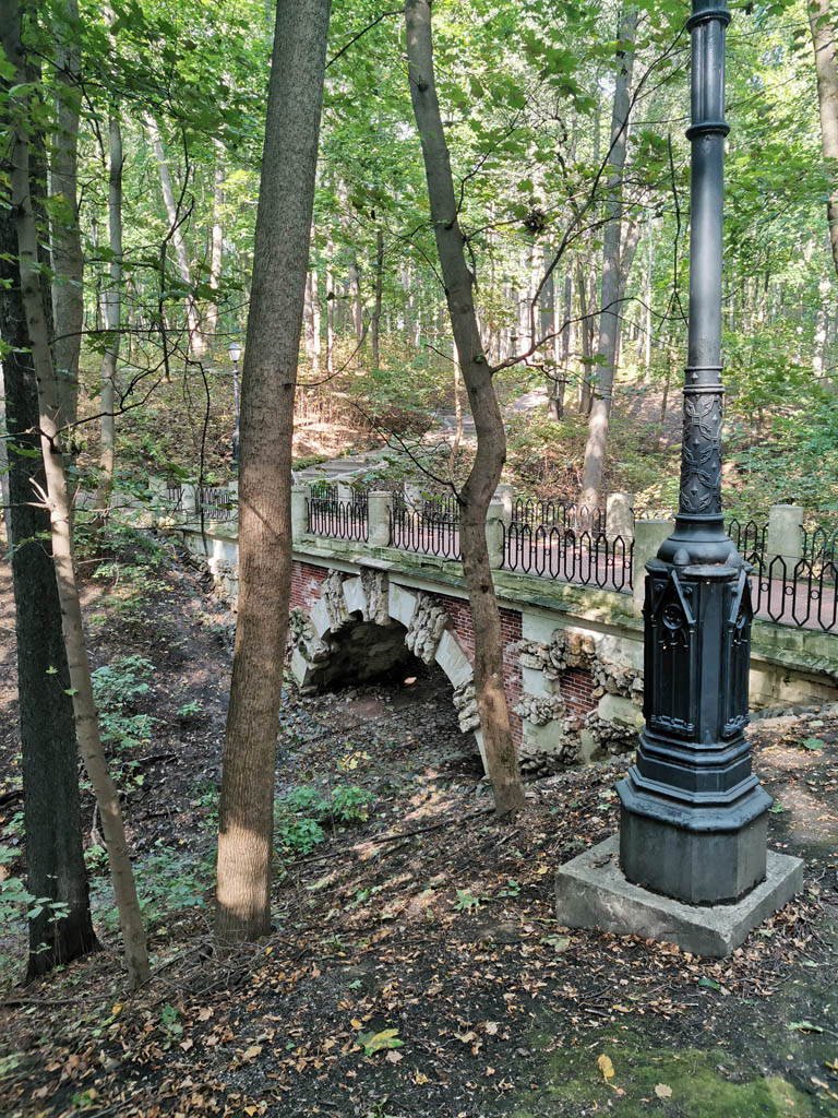 Большой (Нижний) Гротесковый мостик.