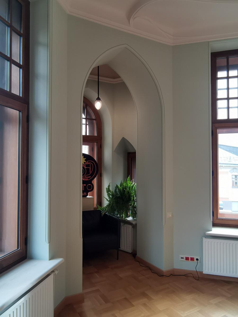 Кабинет Левенсона. Эркерные окна позволяли директору видеть всю территорию типографии и вход со стороны улицы.