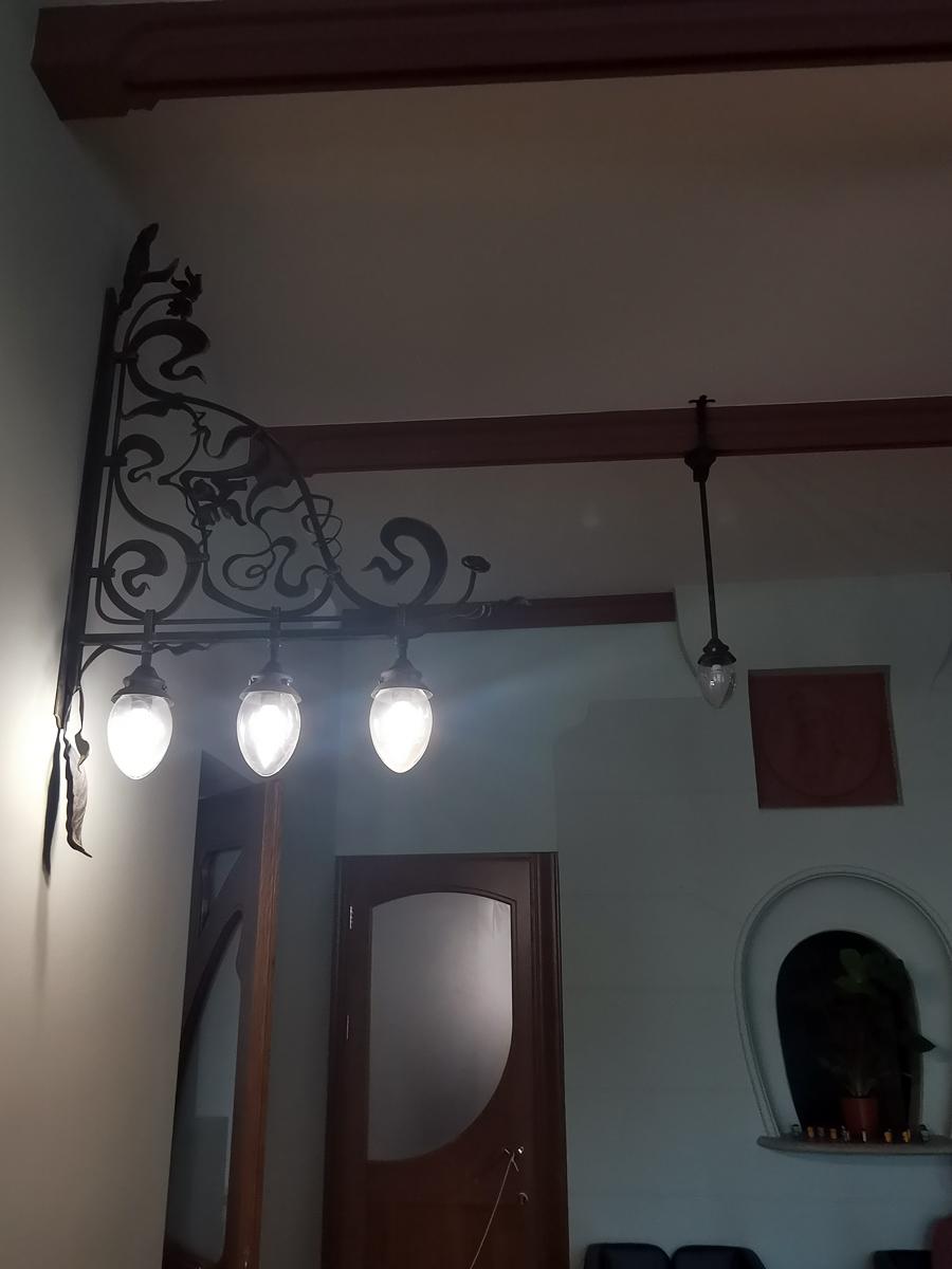 А эти светильники сделаны по образу и подобию исторических.