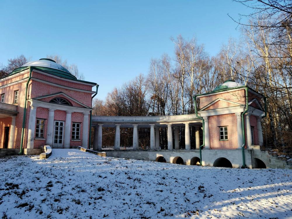 Оставшаяся без использования постройка в конце 1810-х – начале 1820-х гг. была перестроена Д. И. Жилярди под кузницу. Отреставрирована в 2008 г.