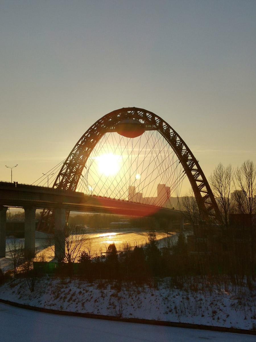 28.12.2020г. Москва. Живописный мост через реку Москву.