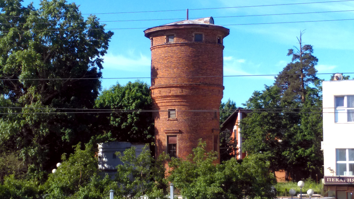 Водонапорная башня на станции Расторгуево.