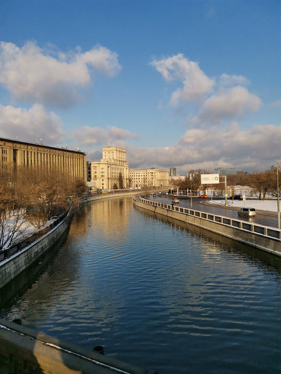 27 декабря 2020. Вид на Яузу с Лефортовского моста.