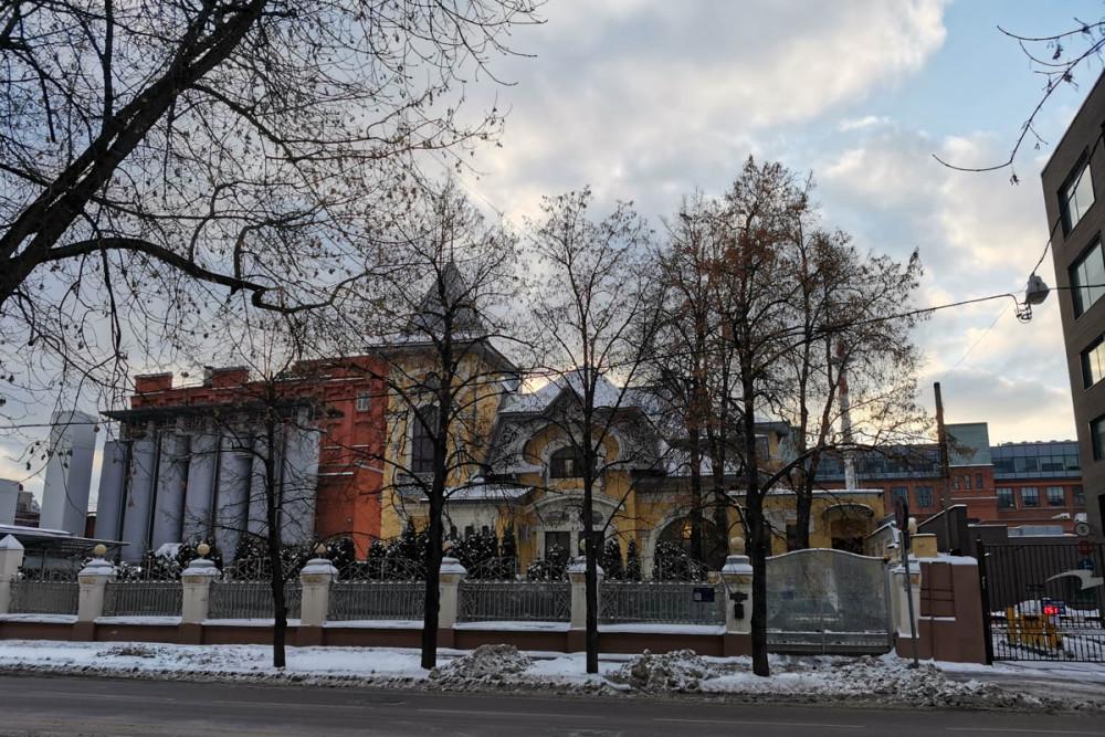 Особняк Иоганна Леонарда Динга изначально, а ныне Андрея Ковалева.