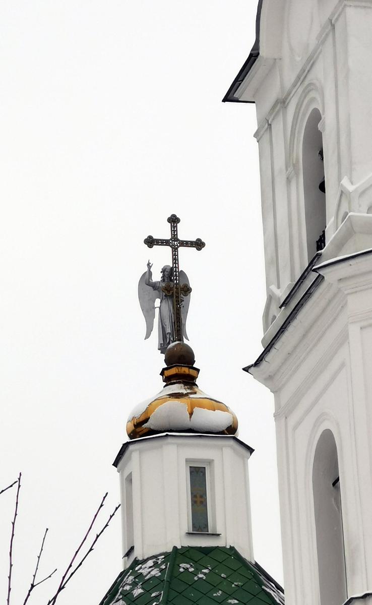 Крест с ангелом