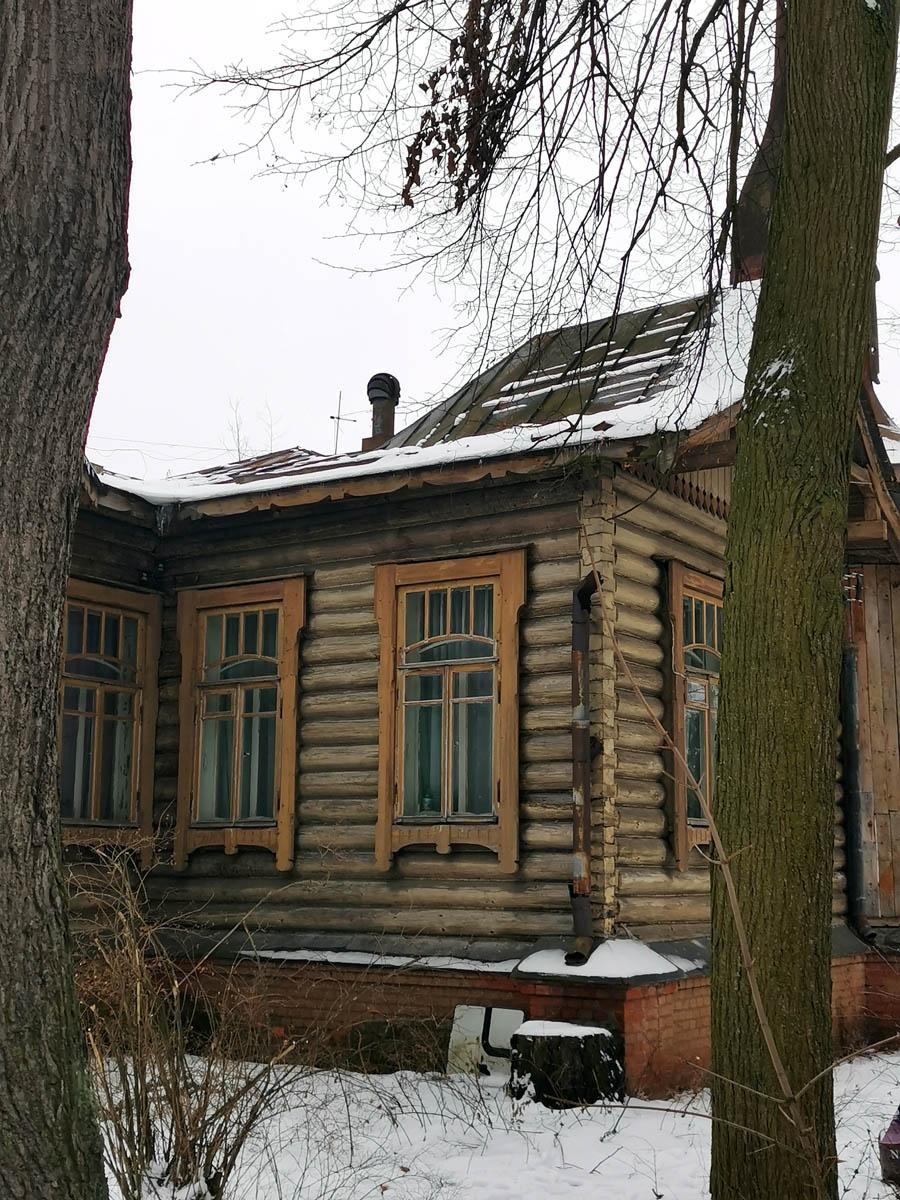 В целом это крыло дома в очень неплохом состоянии.