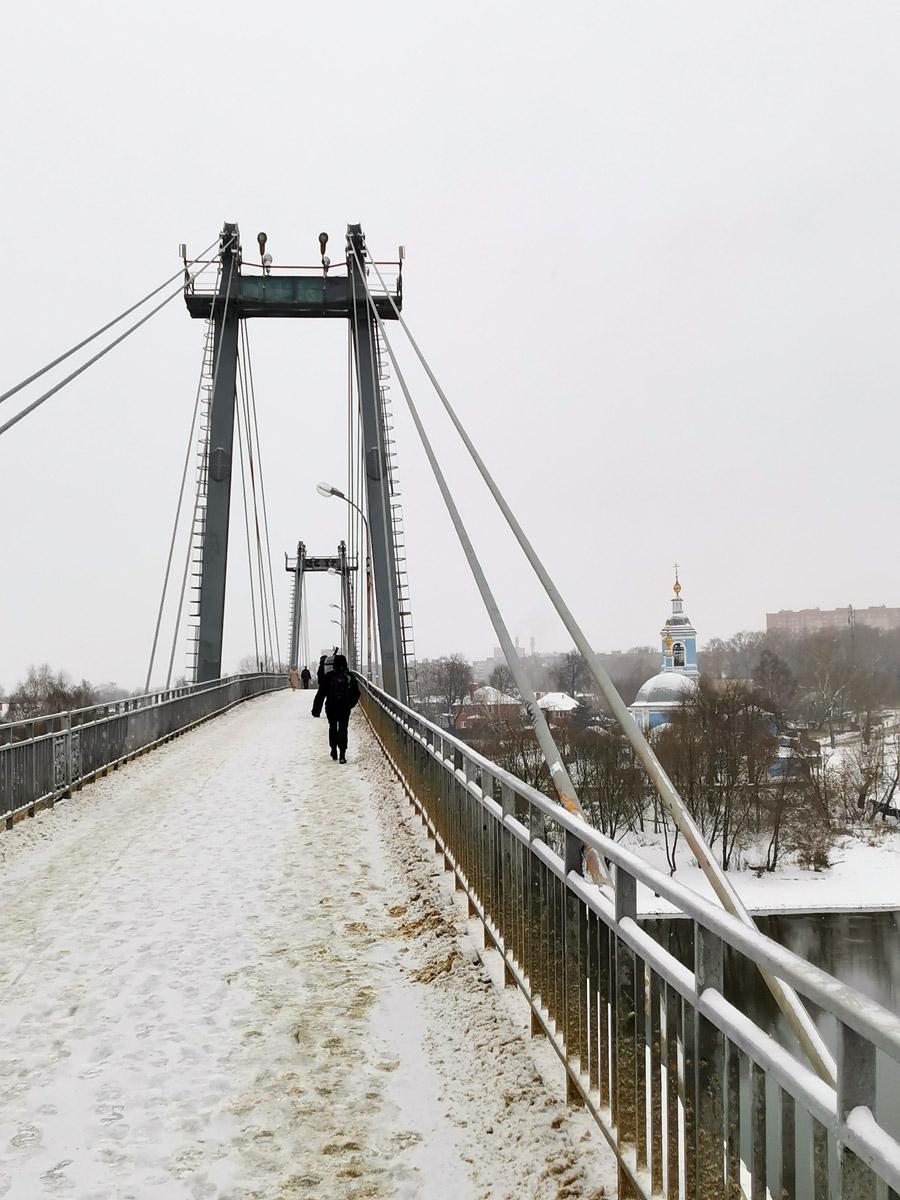 Воскресенский мост ( Новлянский ) был построен в 1977 году.