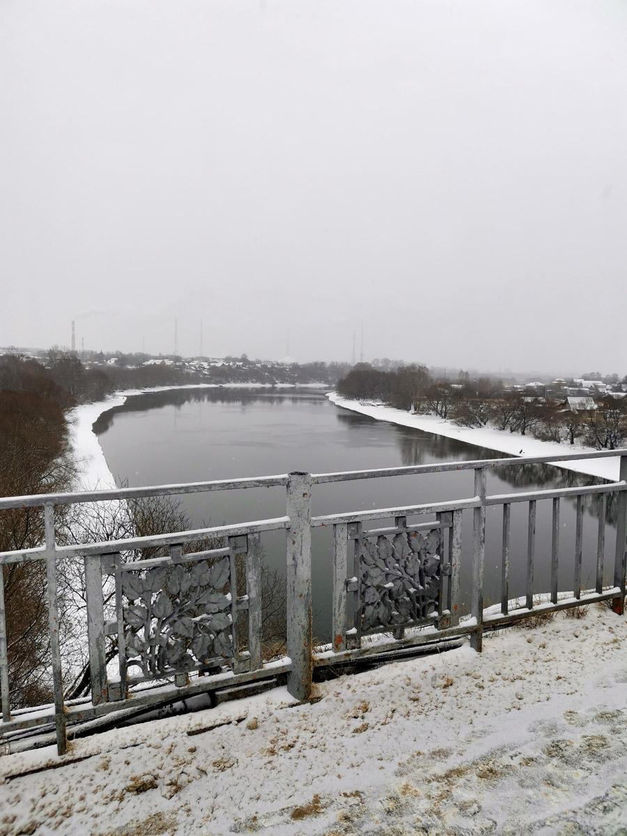 Вид на реку Москву с моста. Виды отличные, высота моста почти 20метров.