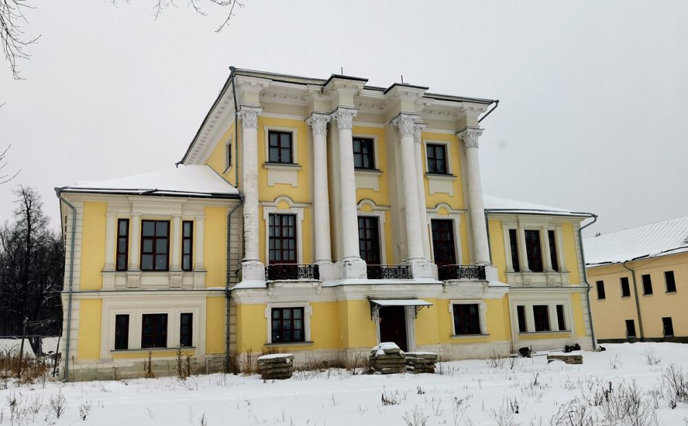 Главный дом усадьбы Ивана Ивановича Лажечникова