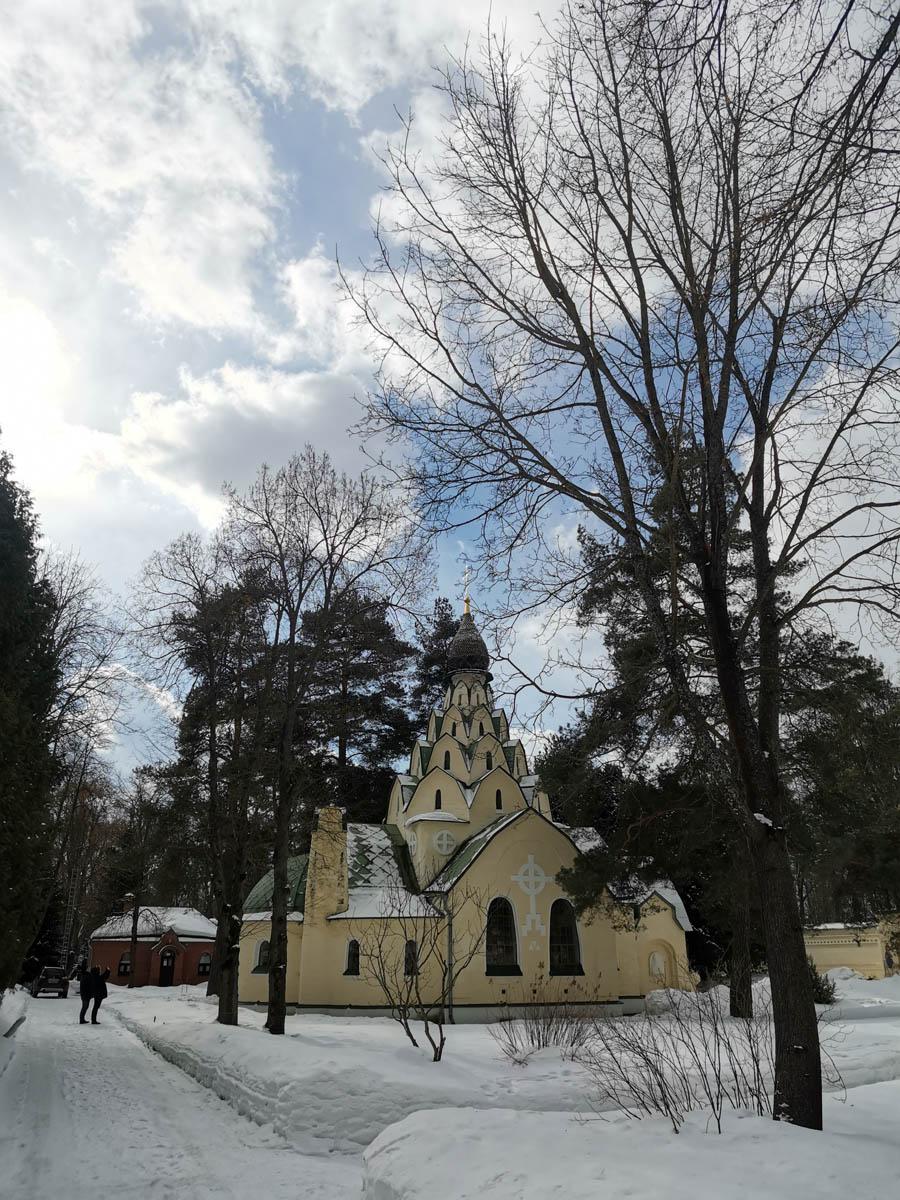 """Ура! Вот, он! Маленький красивый и стильный храм Серафима Саровского и иконы Божией Матери """"Знамение"""""""