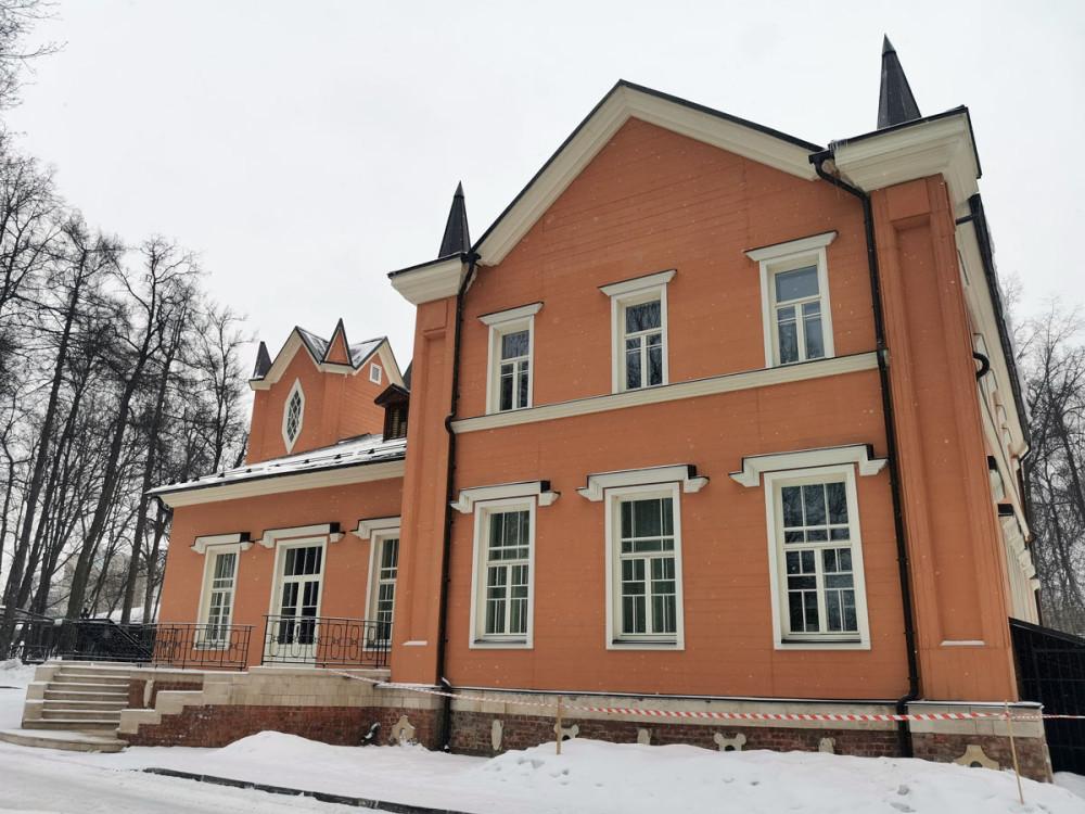 Главный дом усадьбы.