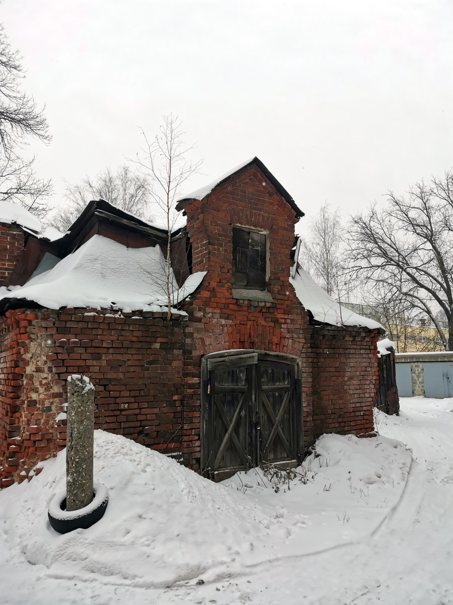 Сараи тоже построены по проекту архитектора Ивана Тимофеевича Барютина.