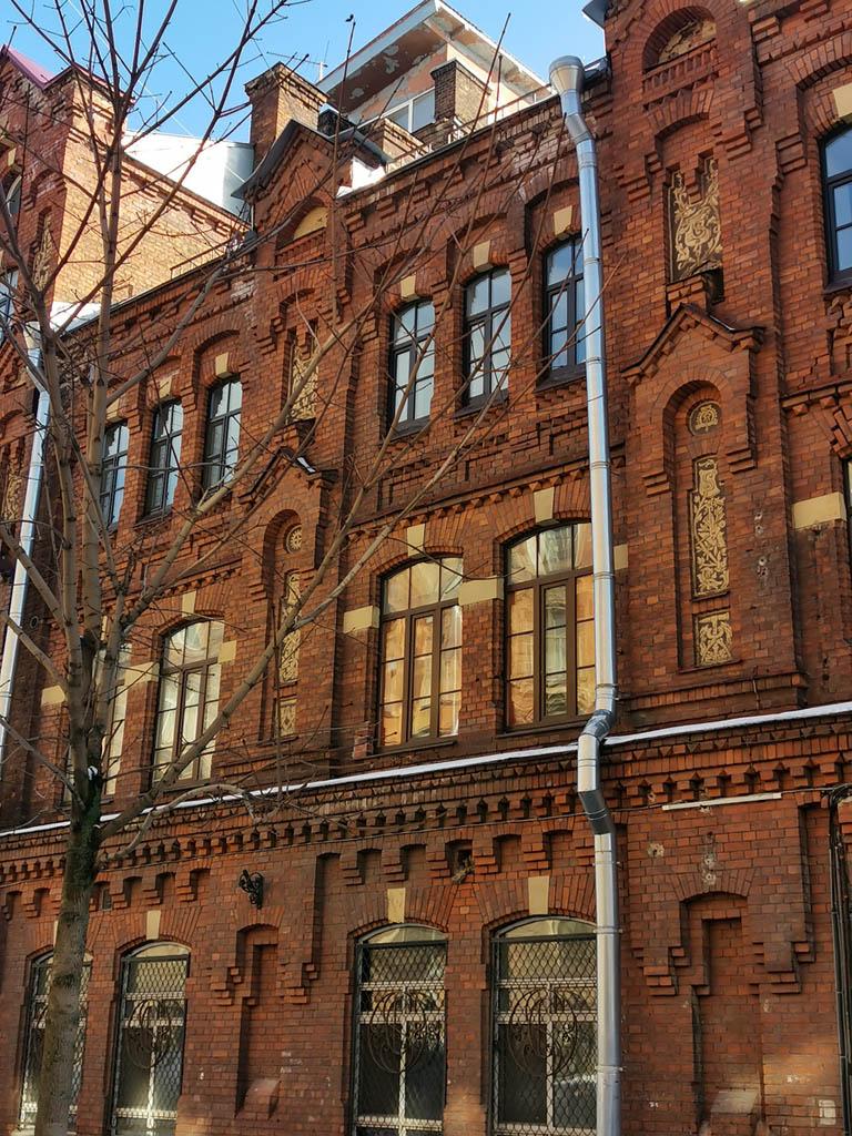 Предприятие Зигеля открылось в 1877 году. Здесь выпускалось оборудование для подачи воды и газа.