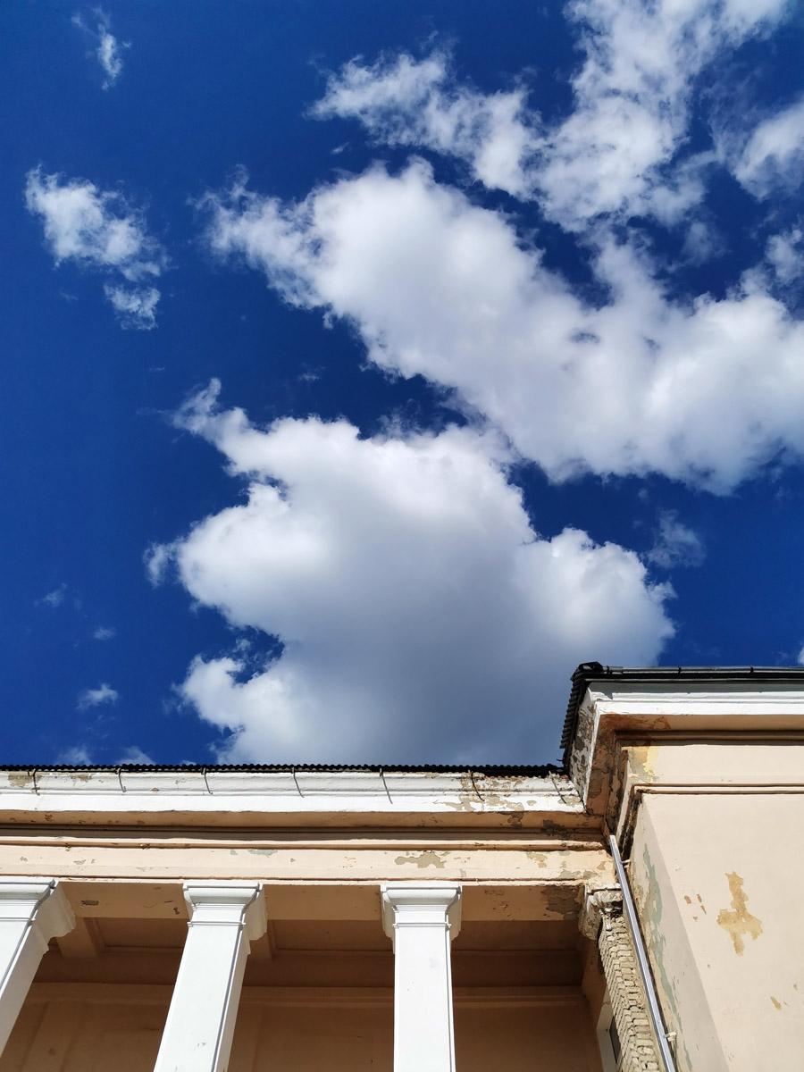 Синева над Шаховским сельским домом культуры