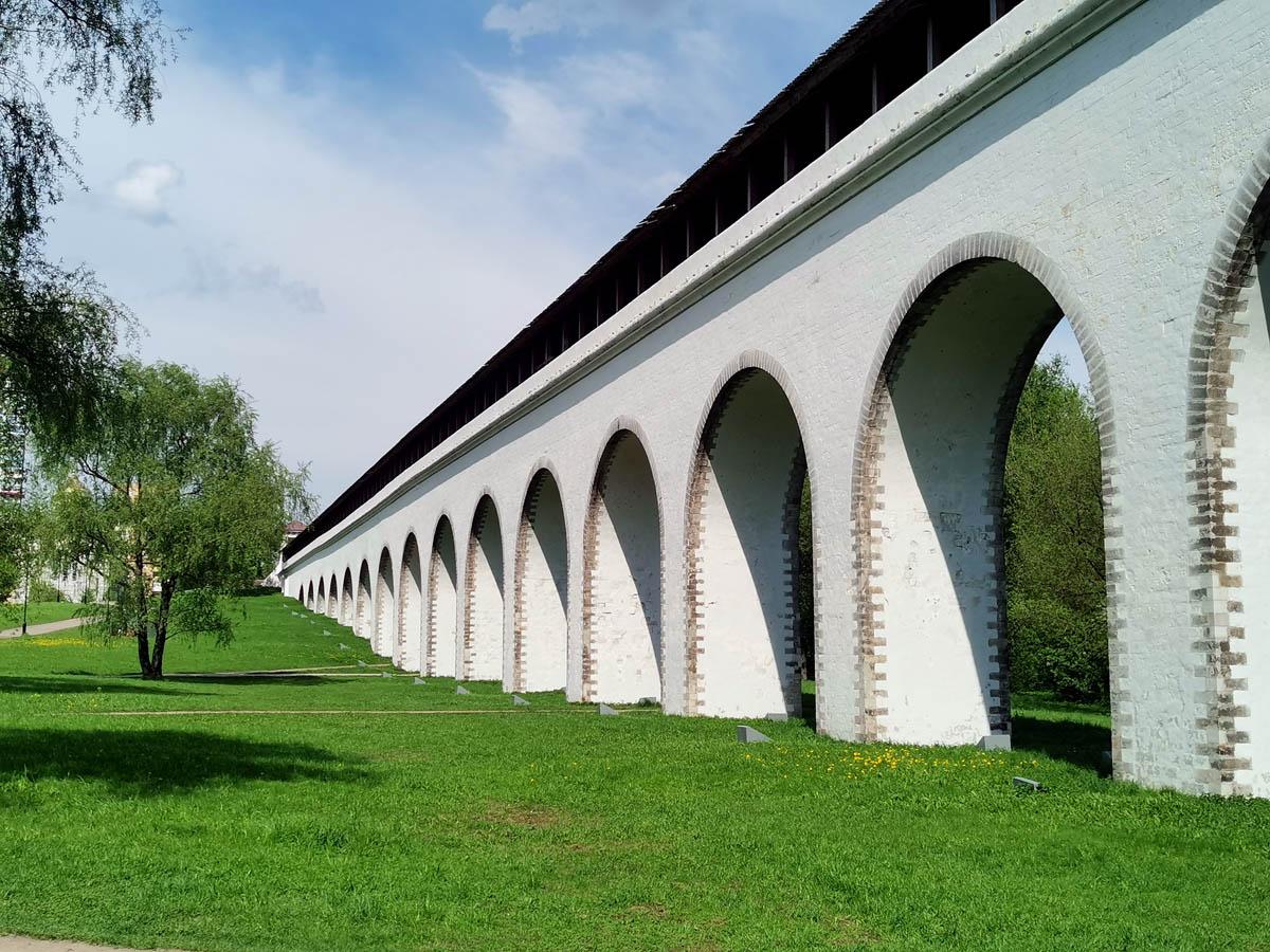После Сокольников прогулялся в районе реки Яуза. Ростокинский акведук («Миллионный мост»)