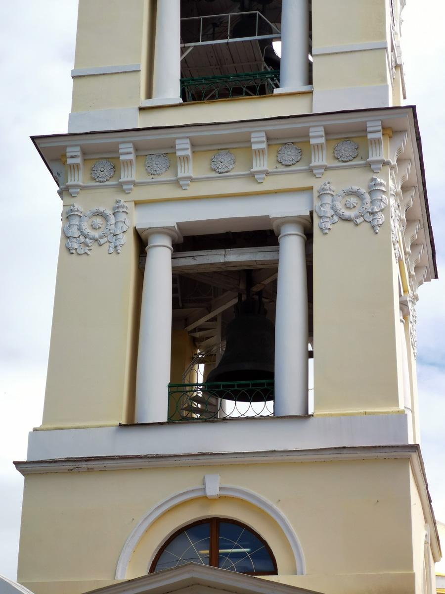 Единственный городской собор Подмосковья, не закрывавшийся в советские годы.