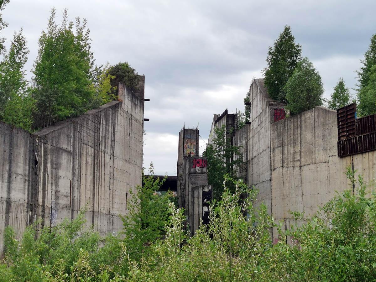 Грандиозный недостроенный гидроузел проекта Подольского море.