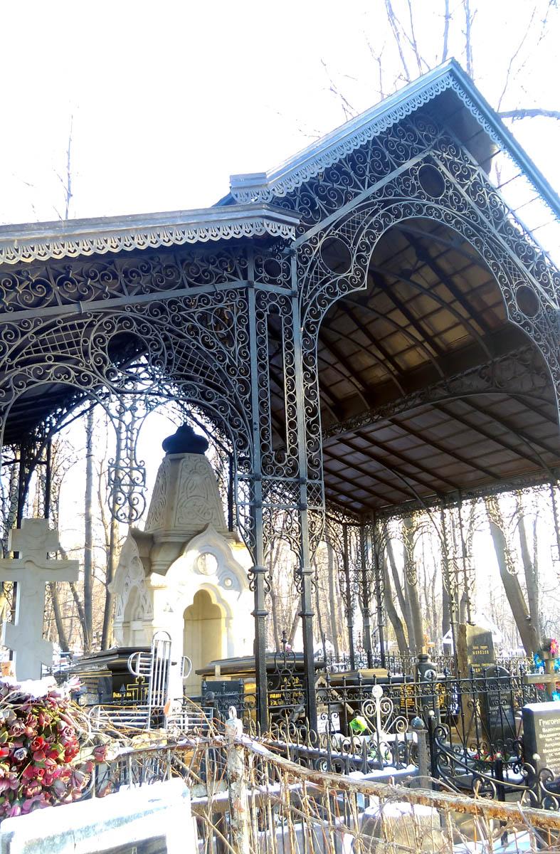 1891г. Железная сень над фамильным участком Морозовых на Рогожском кладбище