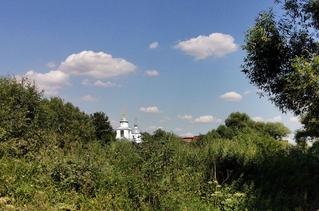 А я возвращаюсь к Церкви Смоленской иконы Божией Матери (Константиново).