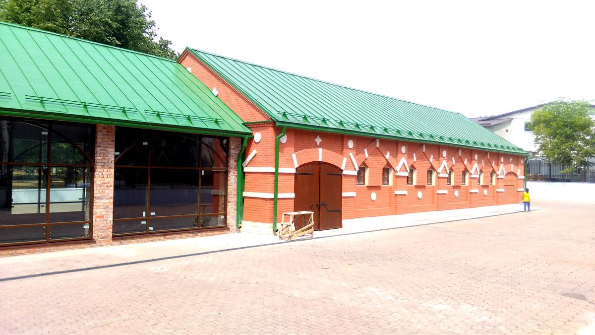 Служебные постройки усадьбы Тимохово (Салазкино). Снова, спустя ровно месяц.