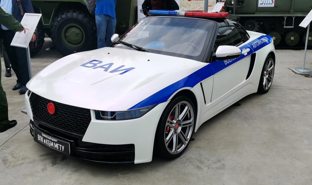 Спорт кар для военной полиции...