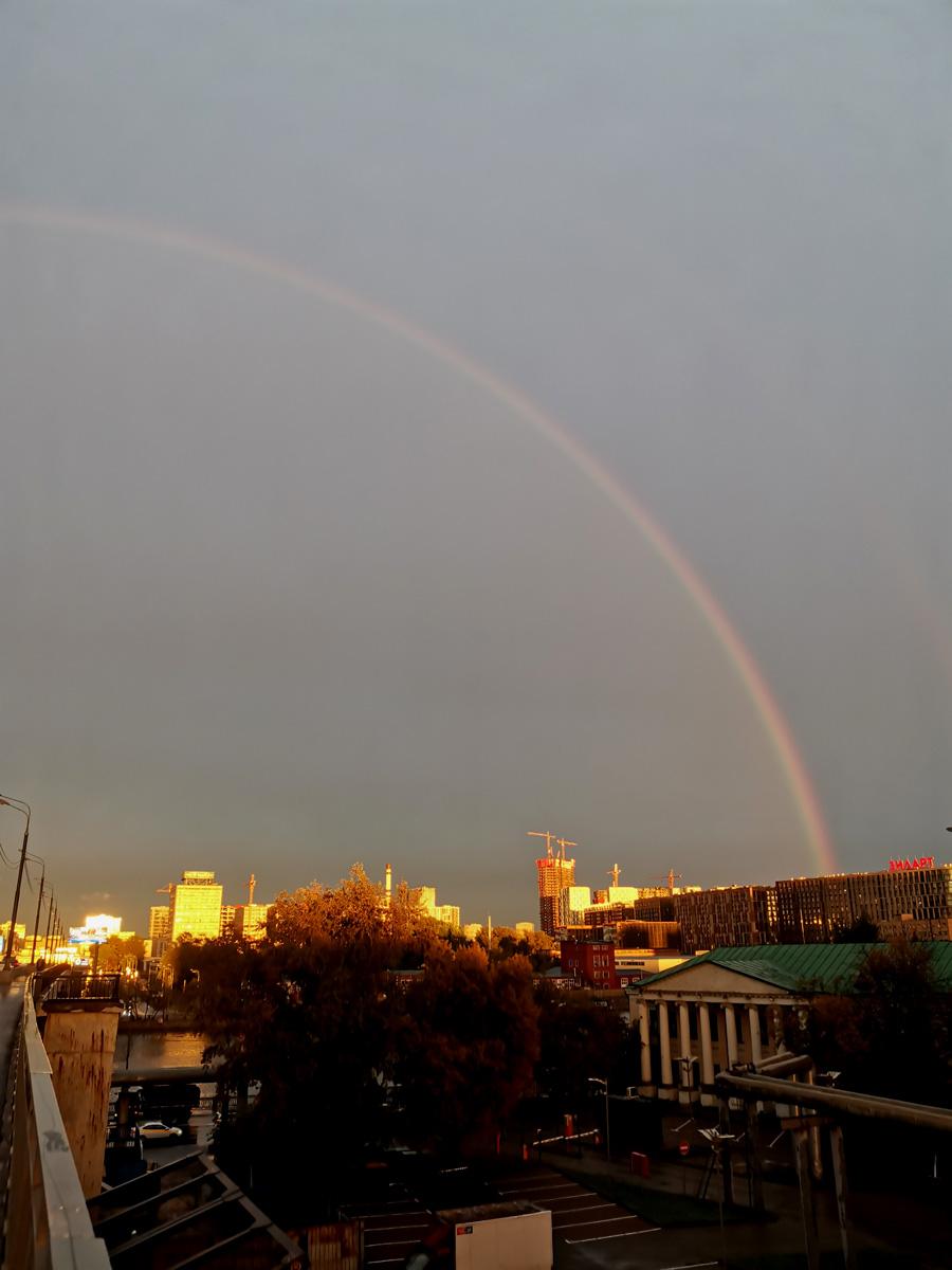 А потом огромную радугу!