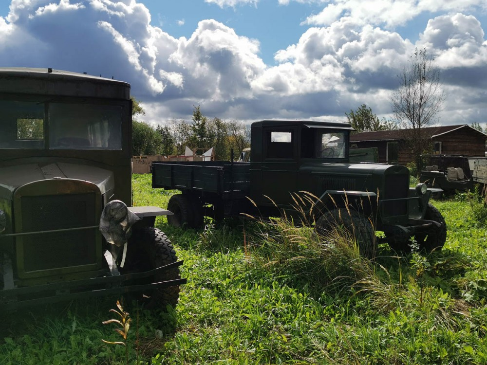 Реплики советских грузовиков...