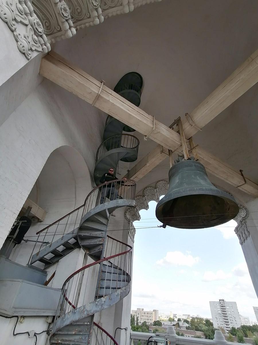 С того момента, как увидел колокольню, я мечтал подняться по этой лестнице... Мечты сбываются!