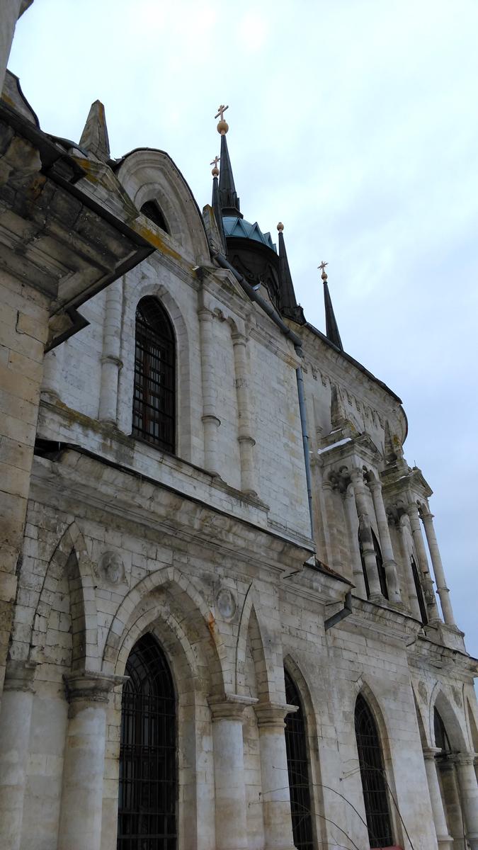 А вот, второй этаж отведен под Храм Владимирской иконы божией матери.