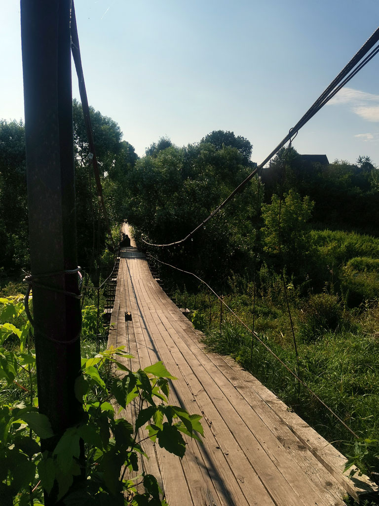 Около села Битягово рядом расположены два пешеходных моста. Уже стало традицией переходить на противоположенный берег по одному из низ и возвращаться по другому...