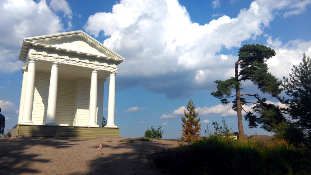 25 июля 2018. Храм Нептуна (очередная реинкарнация), Парк Монрепо (Выборг).