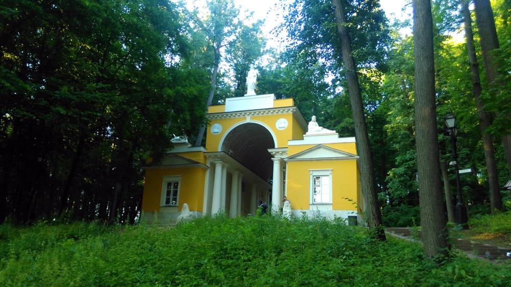 Павильон «Миловида» или «Миловидова галерея» построен в 1803 г. (Царицыно)
