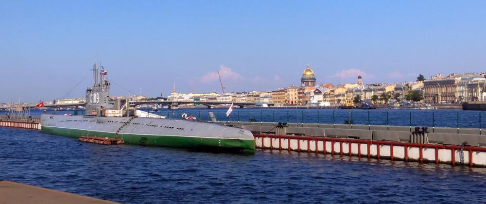 Подводная лодка С-189 проекта 613, пришвартованная и переоборудованная в музей.
