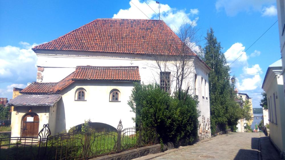 Кованая ограда костёла Гиацинта внесена в реестре объектов культурного наследия Выборга.