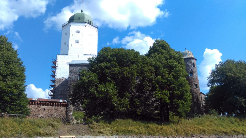 Уверен, в следующий раз удастся увидеть город с высоты смотровой площадки Башни Святого Олафа.