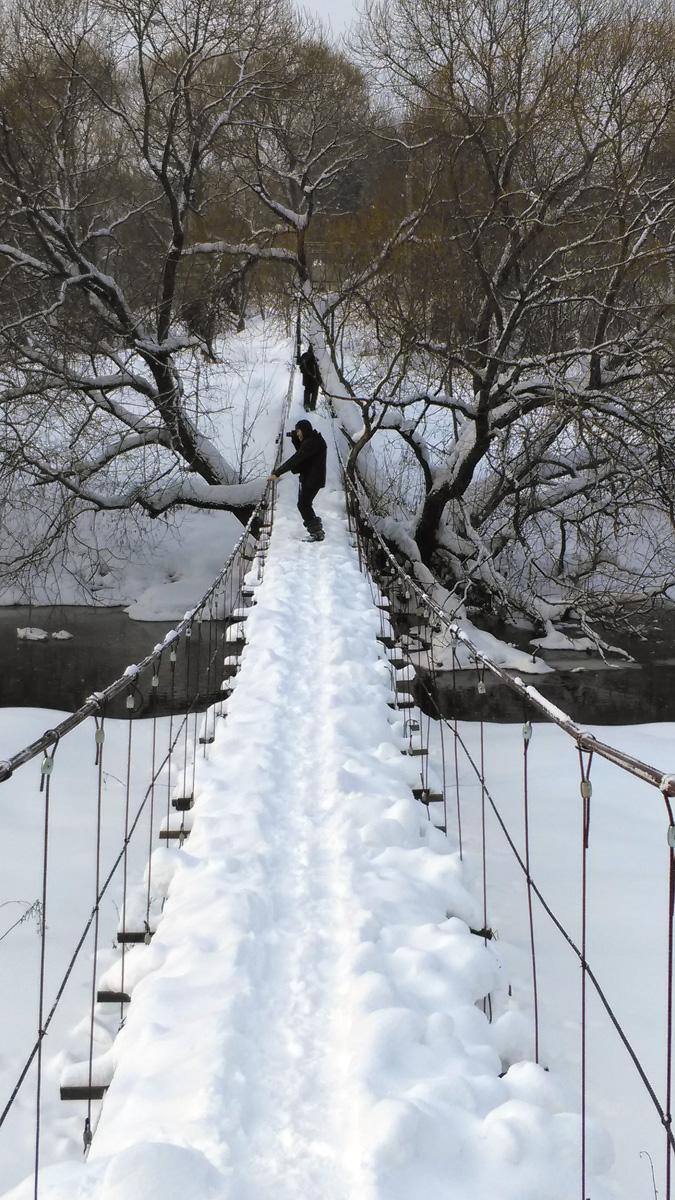 И так, мы немного пофоткались на мостах и увидели, что река Рожайка не замерзла. А маршрут я планировал с переходом реки по льду...