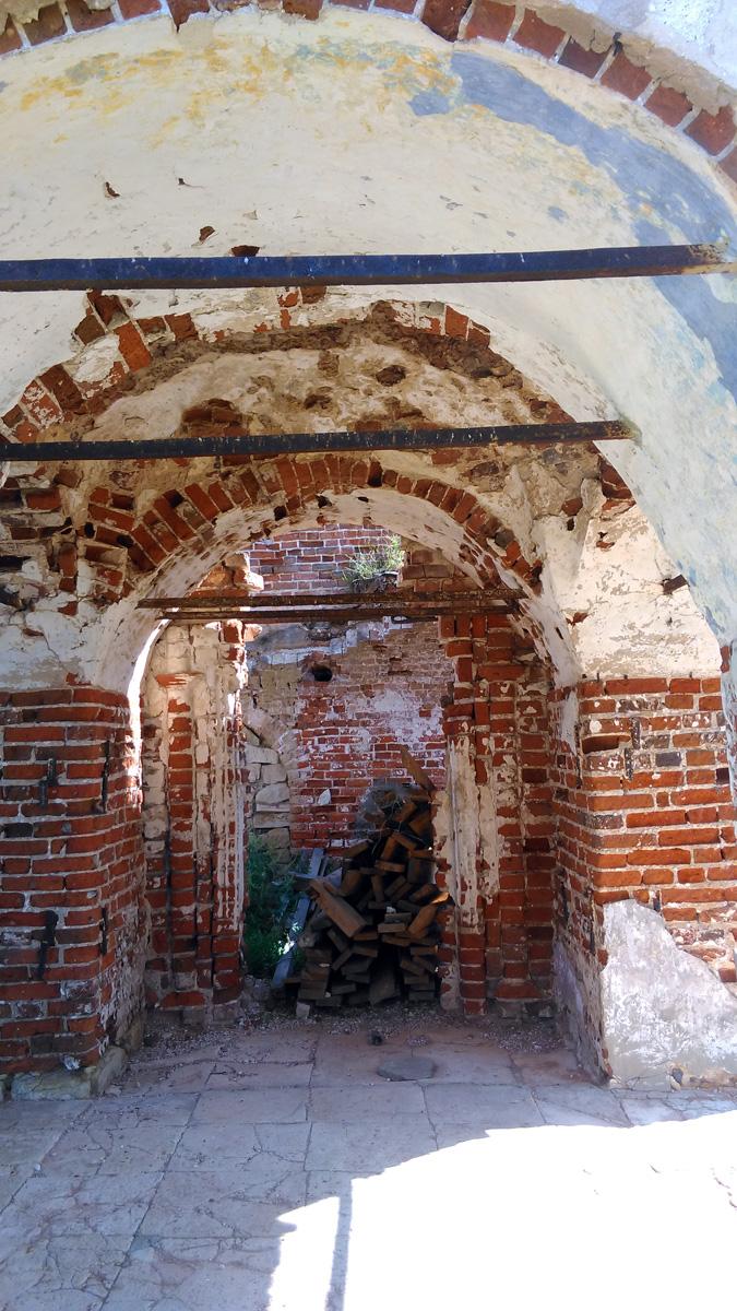 По этим руинам можно изучать технологии строительства тех времен.