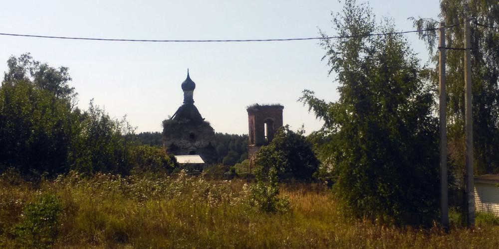 Покидаю Суково, последний раз оглядываюсь на Храм и держу путь в усадьбу Алёшково.