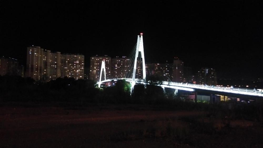 Пешеходный мост через р. Москва.