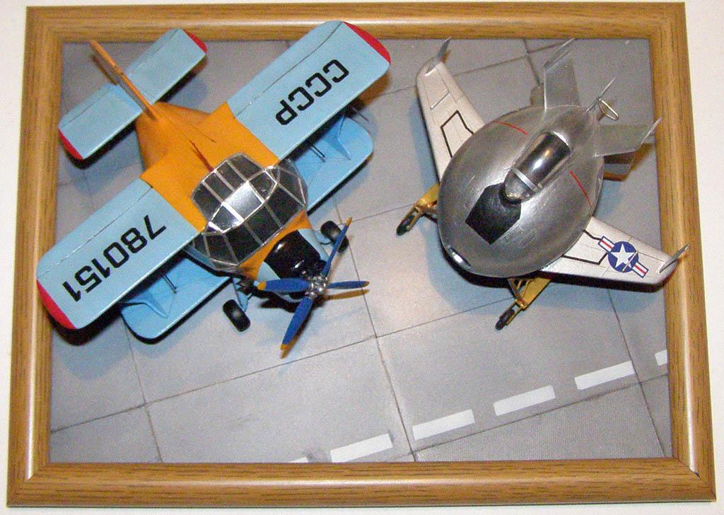 Ан-2 плюс XF-85 Goblin. О постройке Гоблина тоже как-нибудь расскажу.