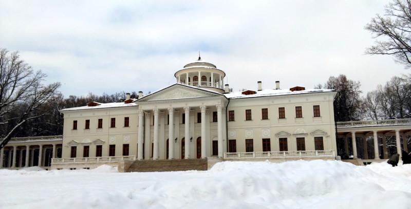 Главный дом усадьбы Остафьево.