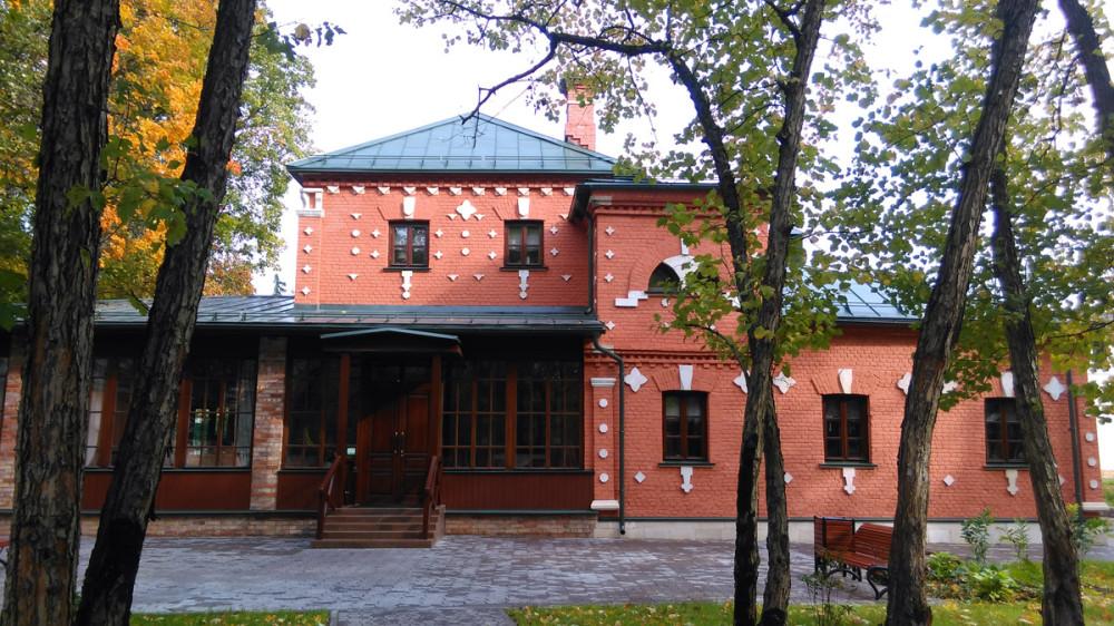 Теперь здесь ресторан русской купеческой кухни «Семейные традиции».