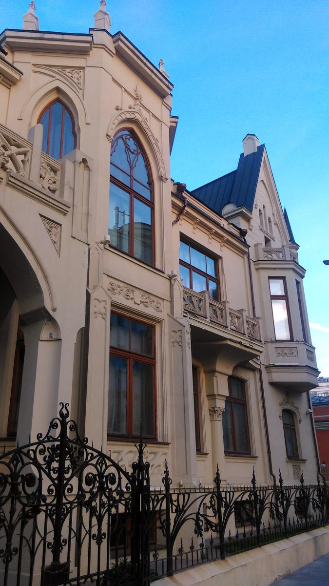 «Проклятый дом» на ул. Большая Полянка.