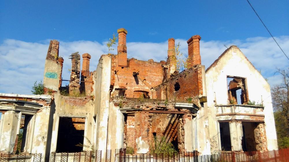Усадьба Крёкшино потрясающе красива даже в таком руинированном виде.