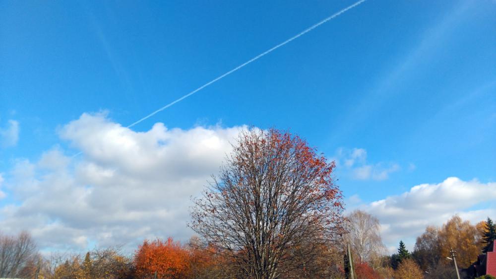 Вот такое солнечное ясное позитивное утро субботы. Надеюсь, погода нас еще порадует такими деньками в этом году....
