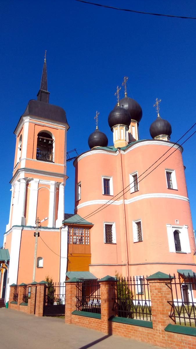 Церковь Вознесения в селе Бурцеве.