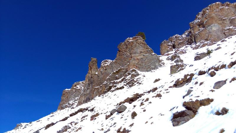 Скалы из застывшей лавы Эльбруса.