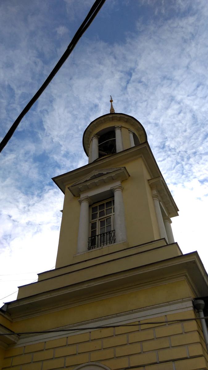 Колокольня Храа Троицы Живоначальной на Пятницком кладбище
